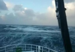 Il video girato da un pescatore russo