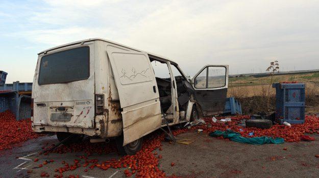 incidente braccianti foggia, Sicilia, Cronaca