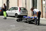 Incidente a Giarre, anziana travolta da una moto: è in gravi condizioni