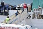Nave Diciotti, sbarcano 13 migranti per motivi sanitari, 4 si rifiutano. Venti saranno ospitati in Albania