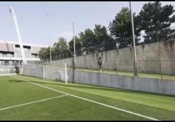Il terzino del Real Madrid era stato sfidato via social da Mario Balotelli sul segnare un gol da dietro la porta. Detto fatto