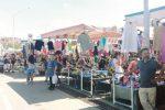 Parcheggiatori abusivi al mercatino del sabato a Caltanissetta, i vigili allontanano 50 migranti
