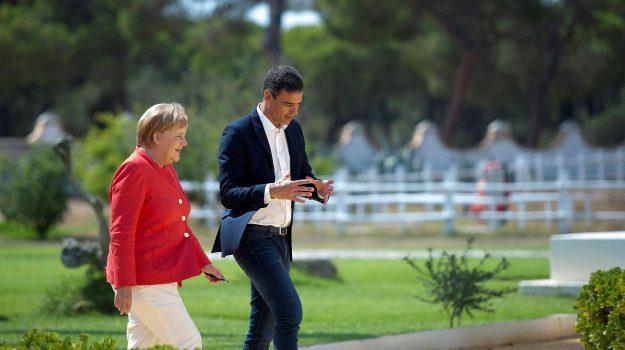 migranti, ricollocamenti migranti, Angela Merkel, Sicilia, Mondo
