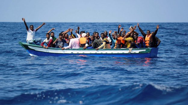 migranti, ong, Sea Watch, Sicilia, Mondo