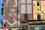 Palermo, murales a Ballarò: su un palazzo ecco Franco Franchi