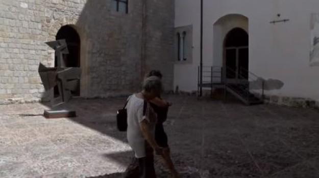 """Ferragosto, musei aperti a Palermo. I turisti: """"Città meravigliosa ma sporca"""""""