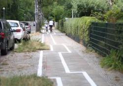 Incredulità e sbeffeggi per la strada ciclabile in centro città