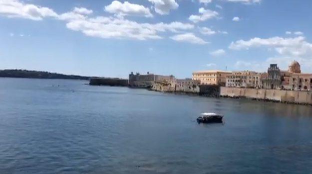 L'isola di Ortigia invasa dai turisti, boom di presenze a fine agosto
