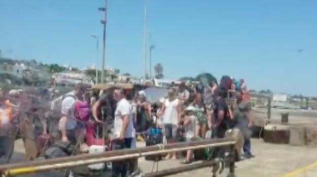 Messina, il maltempo fa scattare il controesodo: traffico in tilt