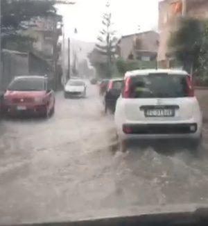 Acquazzone a Palermo, allagamenti e disagi alla circolazione
