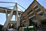 Morandi, quel ponte di Genova costruito sulle case: le immagini dei piloni fra i palazzi