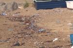 Palermo, rifiuti e degrado al porticciolo della Bandita