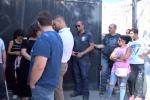 Case confiscate assegnate ai rom a Palermo, da sinistra a destra si allarga il coro dei no
