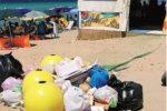 Rifiuti sulla spiaggia di Marsala (Foto Barraco)