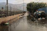 Allagamenti, rifiuti e degrado: le foto a pochi metri dal mare tra Carini e Cinisi