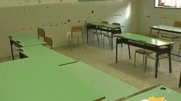 Allarme sicurezza nelle scuole della Sicilia