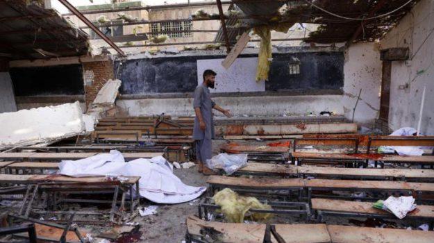 Massacro scuola Kabul, Sicilia, Mondo