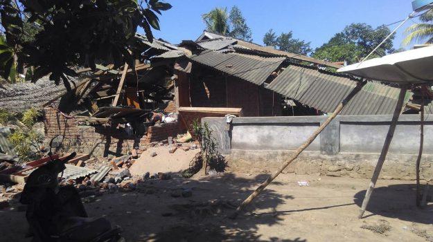 Terremoto in Indonesia, le drammatiche immagini da Lombok
