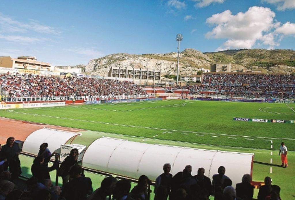 Calcio Catania Calendario.Calendari Di Serie C Il Trapani Inizia Con La Reggina Il