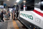 """Annuncio shock sul treno Milano-Cremona: """"Zingari scendete, avete rotto"""""""
