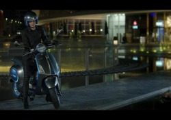 La declinazione a zero emissioni dello scooter sarà ordinabile da ottobre, ma all'inizio solo online. Non ancora comunicato il prezzo