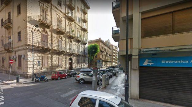 rapina in casa, Palermo, Cronaca