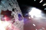 Il rover MINERVA-II-1A ha catturato questa immagine sabato 22 settembre mentre saltava sulla superficie dell'asteroide Ryugu (fonte: JAXA)