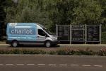 I primi servizi dei Transit Ford di Chariot riguardano l'area direzionale di Stockley Park, a Londra