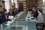 Il ministro degli Esteri Enzo Moavero Milanesi con il commissario Guenther Oettinger