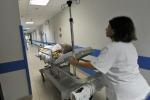 Un'infermiera al lavoro