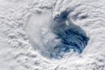 L'occhio dell'uragano Florence, fotografato dalla Stazione Spaziale Internazionale (fonte: Alexander Gerst, ESA, NASA)