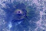 Il Vesuvio visto dallo spazio, fotografato dall'astronauta Paolo Nespoli (fonte:Paolo Nespoli, ESA/NASA)
