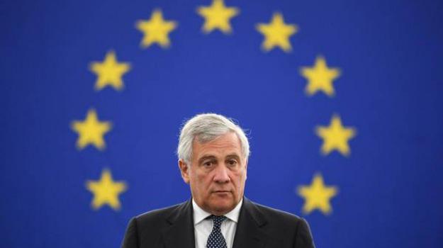 banche, parlamento ue, Antonio Tajani, Sicilia, Politica
