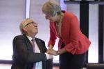Il presidente della Commissione europea Jean-Claude Juncker e la premier britannica Theresa May al vertice informale Ue a Salisburgo