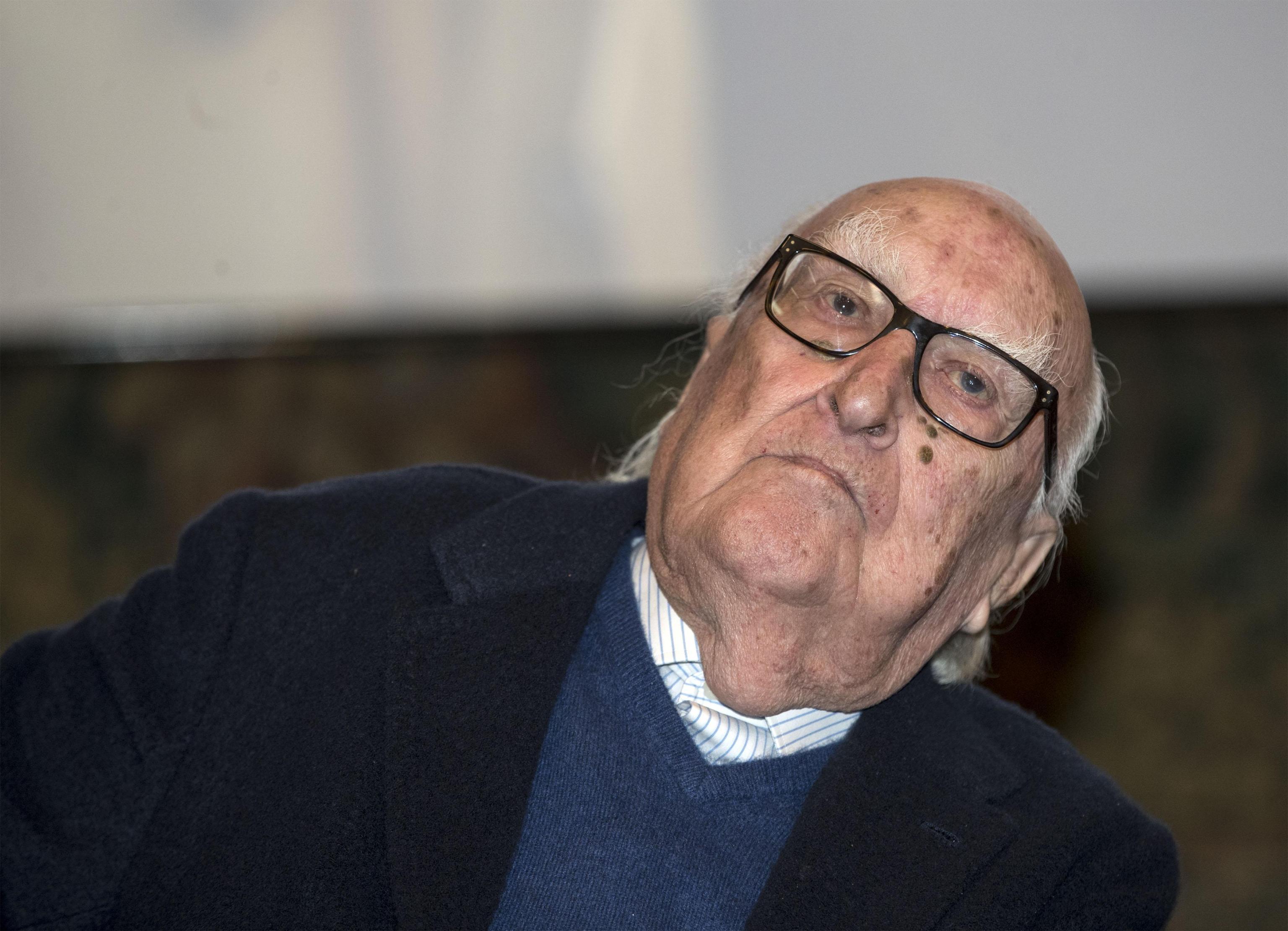 Andrea Camilleri Compie 93 Anni Autori Gli Augurano Di Scrivere