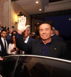Il presidente di Forza Italia, Silvio Berlusconi, al suo arrivo alla convention azzurra