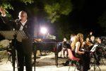 A Galati Mamertino musica e parole in memoria di Quasimodo: il video del concerto
