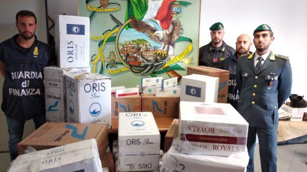 Palermo, blitz a Ballarò: sequestrati 300 chili di sigarette, tre arresti