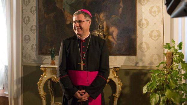 Film e la messa in diretta dell'arcivescovo Lorefice: la Pasqua su Tgs