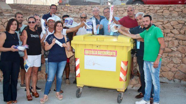 Lampedusa, lampedusa plastic free, lampedusa senza plastica, plastica lampedusa, Totò Martello, Agrigento, Società
