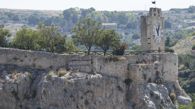 castello dei conti modica, Ragusa, Economia