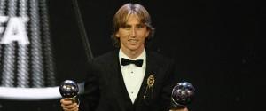 Luka Modric premiato come miglior giocatore dell'anno