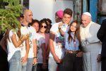 Abbracci e selfie, così i giovani ricorderanno la visita del Papa a Palermo