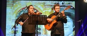 Performance di violino e chitarra
