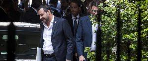 Salvini ricuce con Berlusconi: intesa di Centrodestra sulle regionali, rabbia M5S