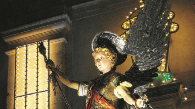 festa di San Michele Caltanissetta, Caltanissetta, Società