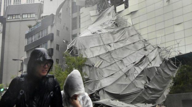 tifone giappone, Sicilia, Mondo