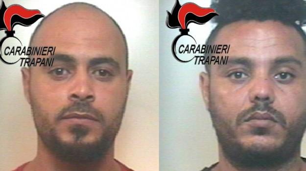 arresti acarabinieri, centro accoglienza, valderice, Trapani, Cronaca