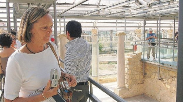 enna restauro, fondi villa del casale, Enna, Politica
