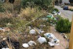 """Agrigento, a Monserrato una strada colma di rifiuti: """"Via delle Egadi come una pattumiera"""""""